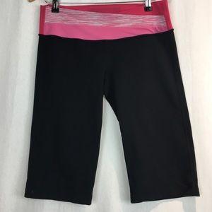Lululemon Wide Flared Capri With Pink Waist Band 8